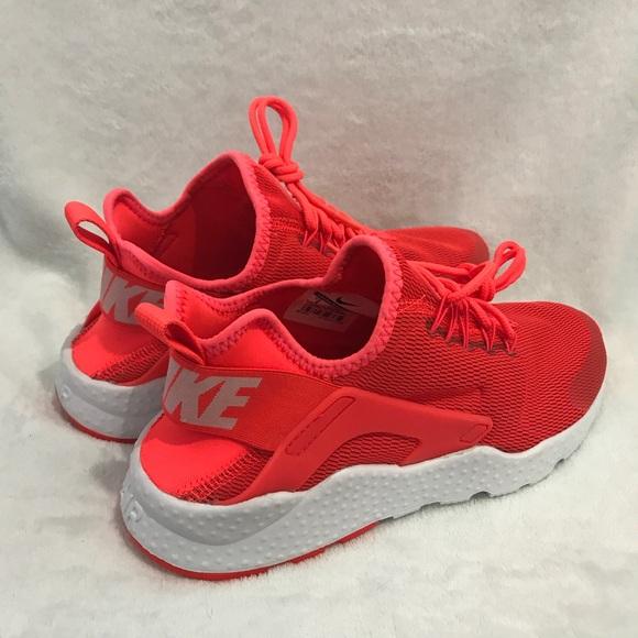 0da57193190e Nike Air Huarache Run Ultra Bright Crimson White